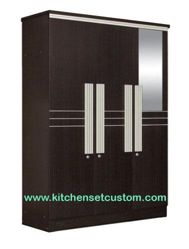 Lemari Pakaian 3 Pintu LP 9298 Popular Furniture