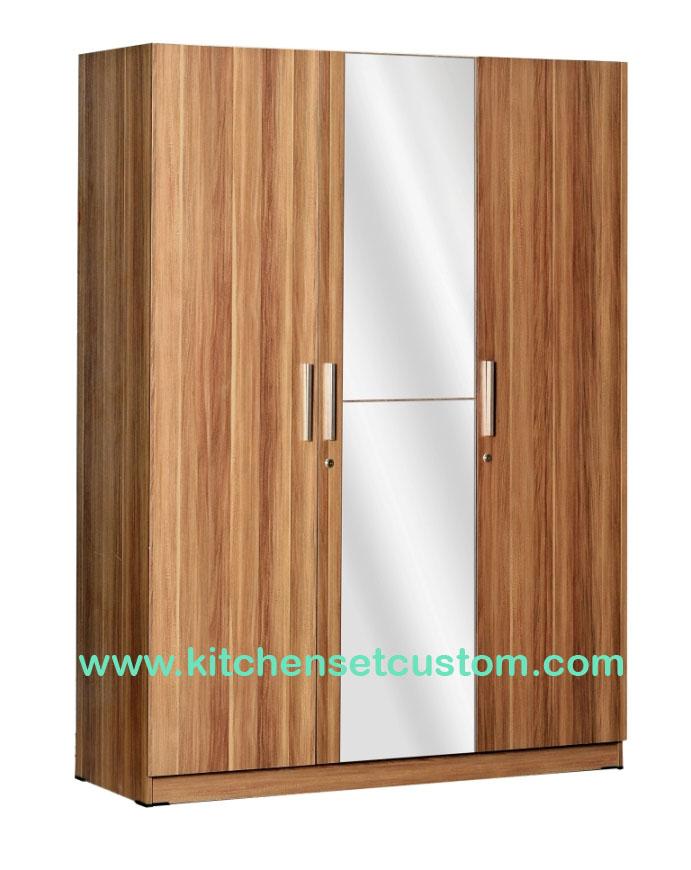 Lemari Pakaian 3 Pintu WD 198 Benefit Furniture