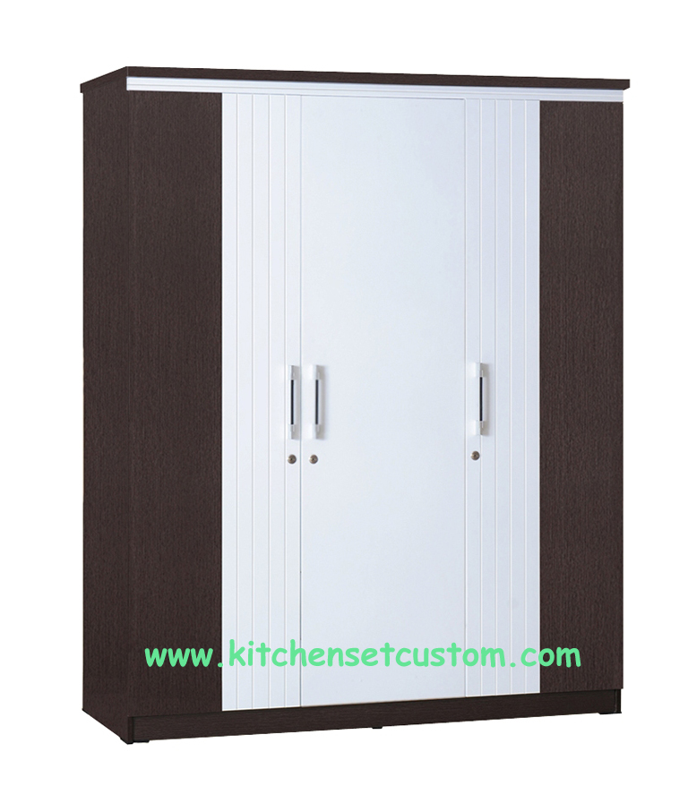 Lemari Pakaian 3 Pintu LP 2697 Graver Furniture