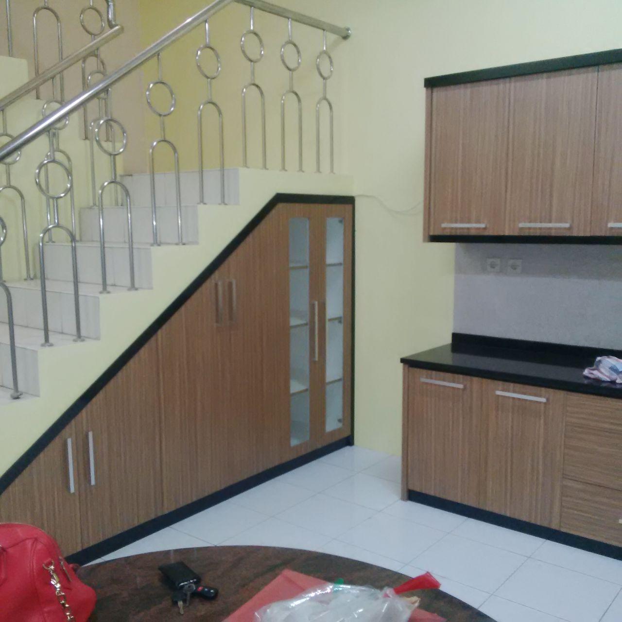 Lemari bawah tangga kitchen set custom for Kitchen set bawah